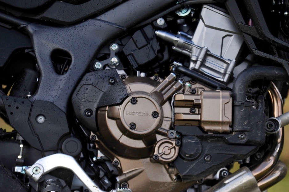CRF1000 engine Overland